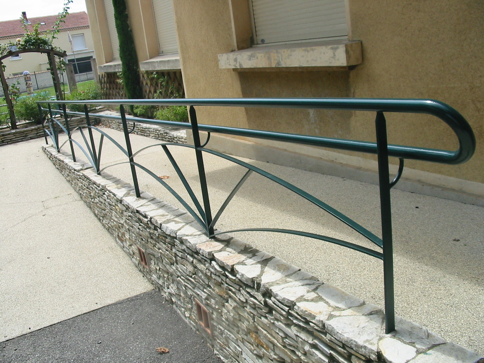 Mobilier urbain, rampe