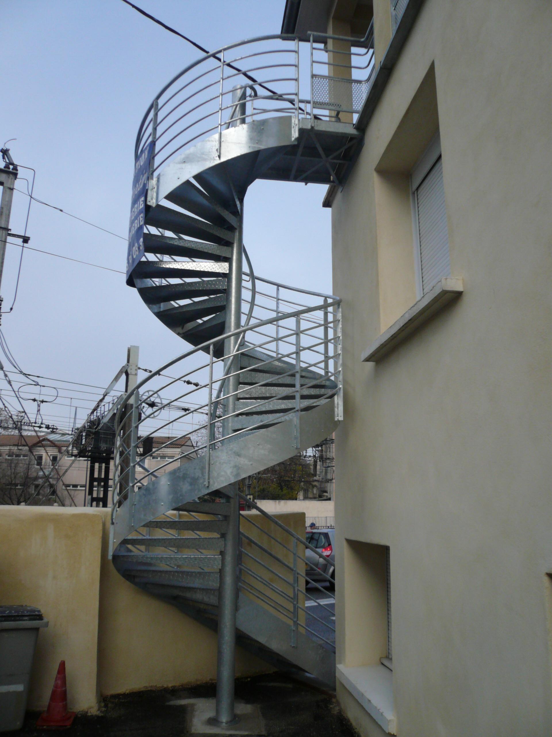 Escalier en hélice galvanisé